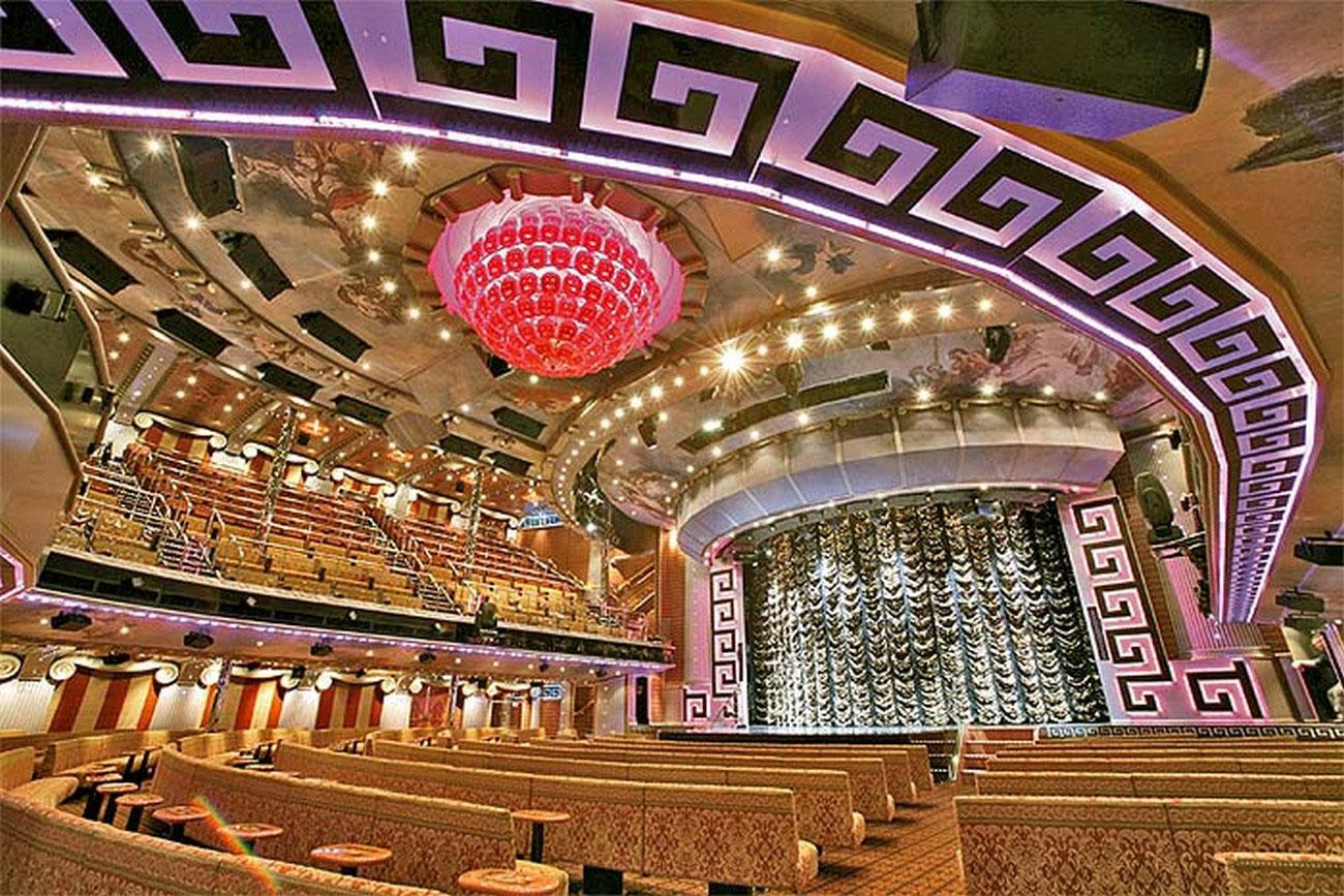 Концертный зал на круизном лайнере
