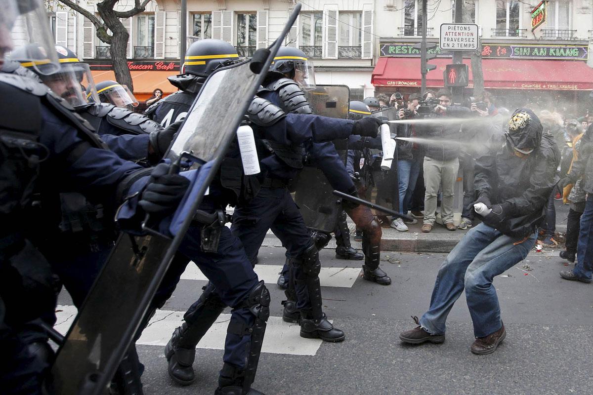 Столкновения демонстрантов