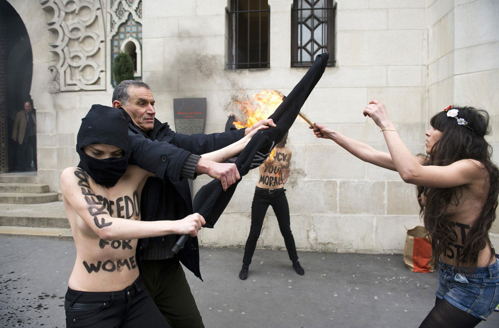активистка из Туниса, снимок
