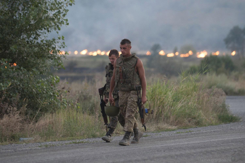 военнослужащие недалеко от Иловайска