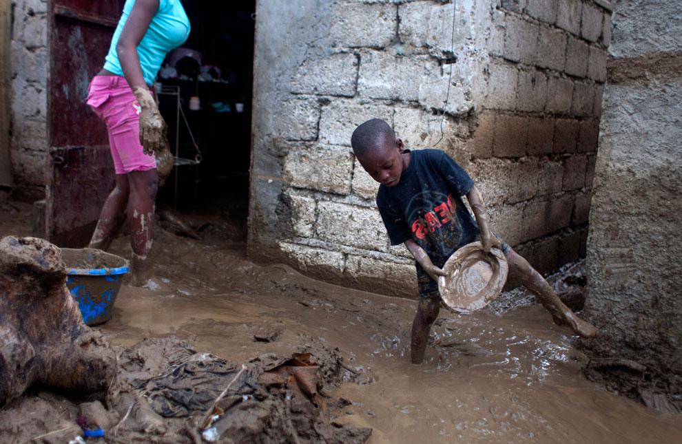 шторм Исаак в Порт-о-Пренс