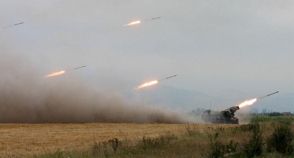 ракеты обрушились на Южную Осетию недалеко от Цхинвали, фото