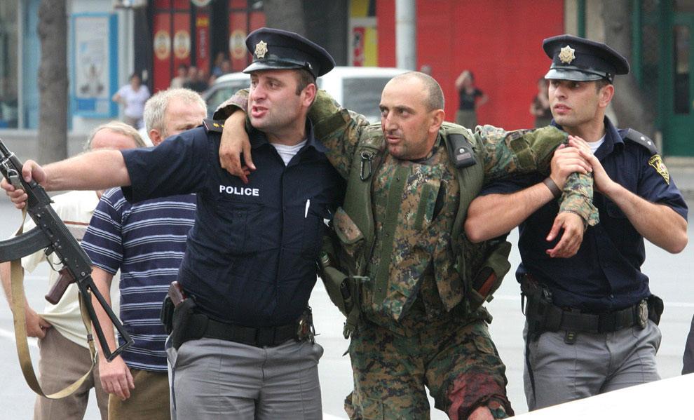 раненый солдат в конфликте между Южной Осетией и Грузией, фото