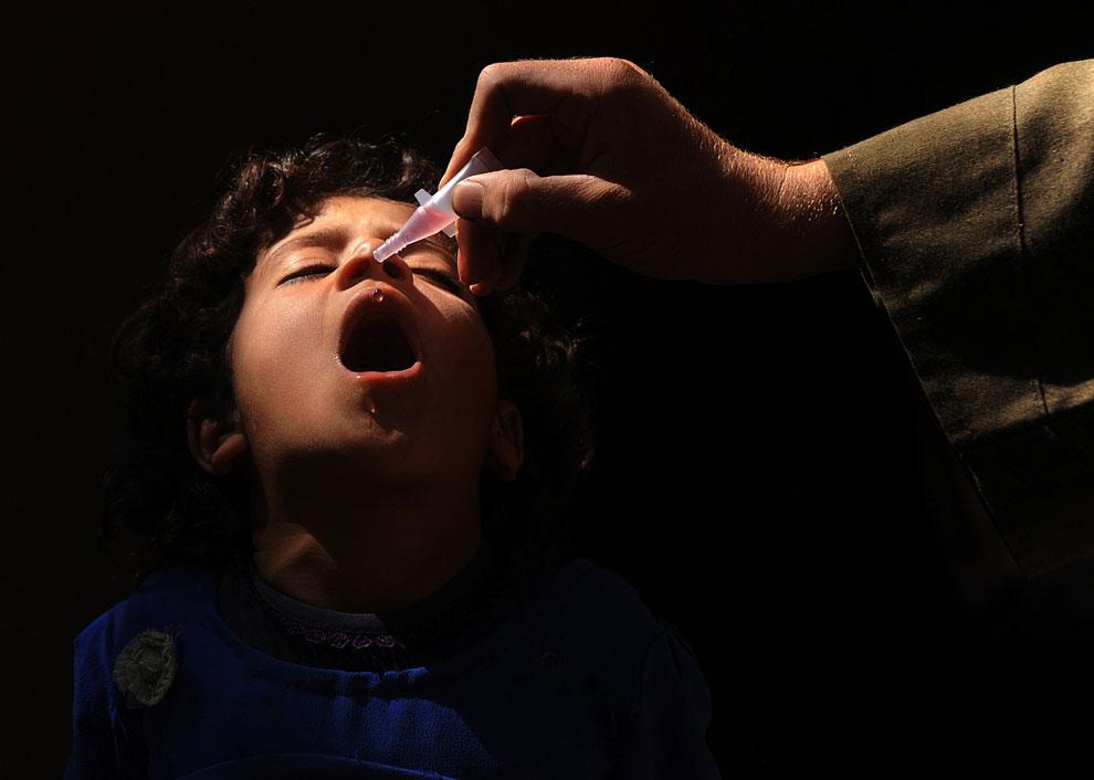 вакцинация афганских детей