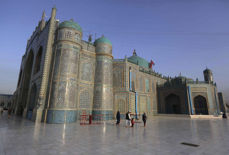 Голубая мечеть, Святыня Хазрат Али