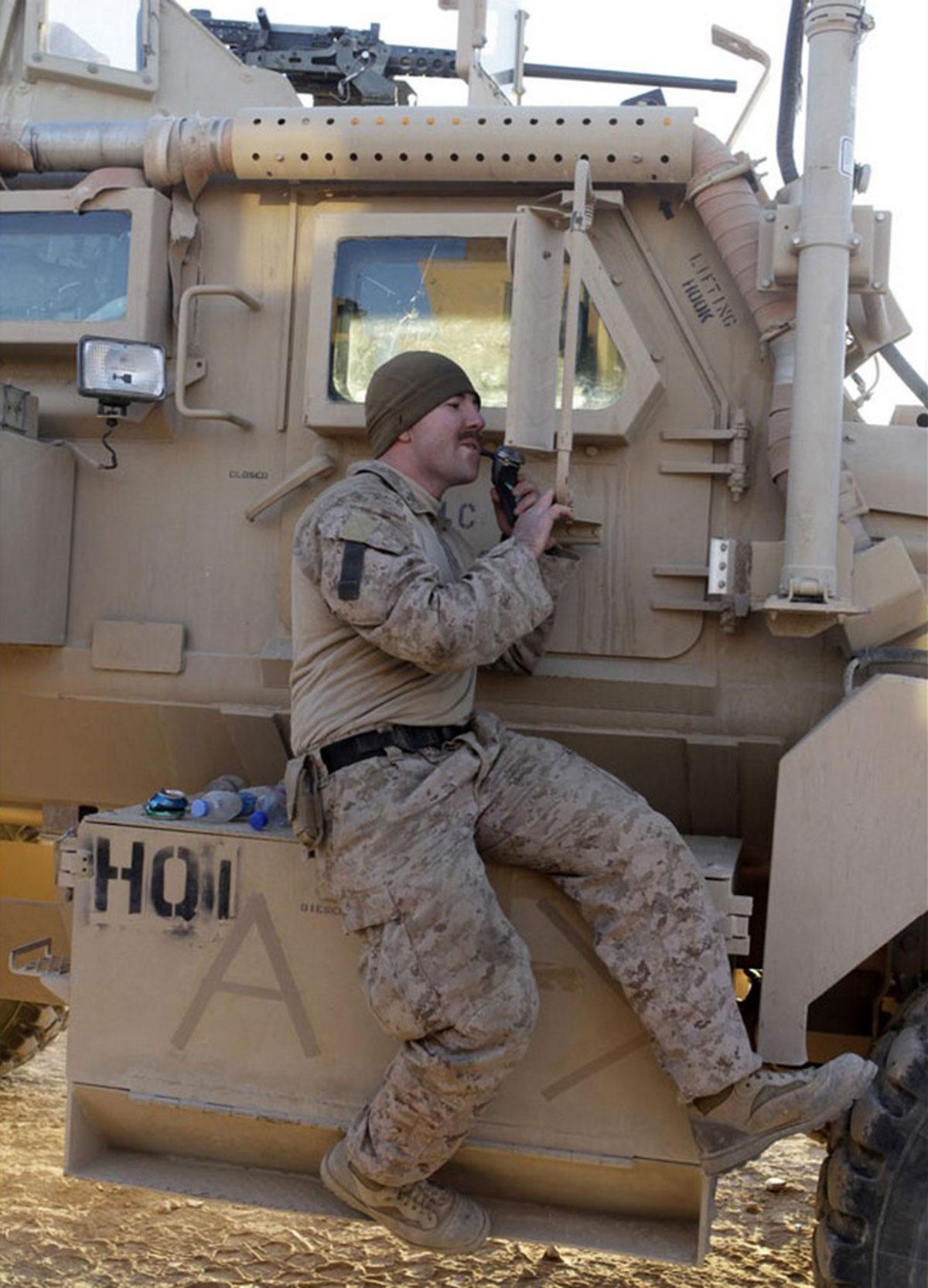 Солдат ВМС США на юго-западе Афганистана