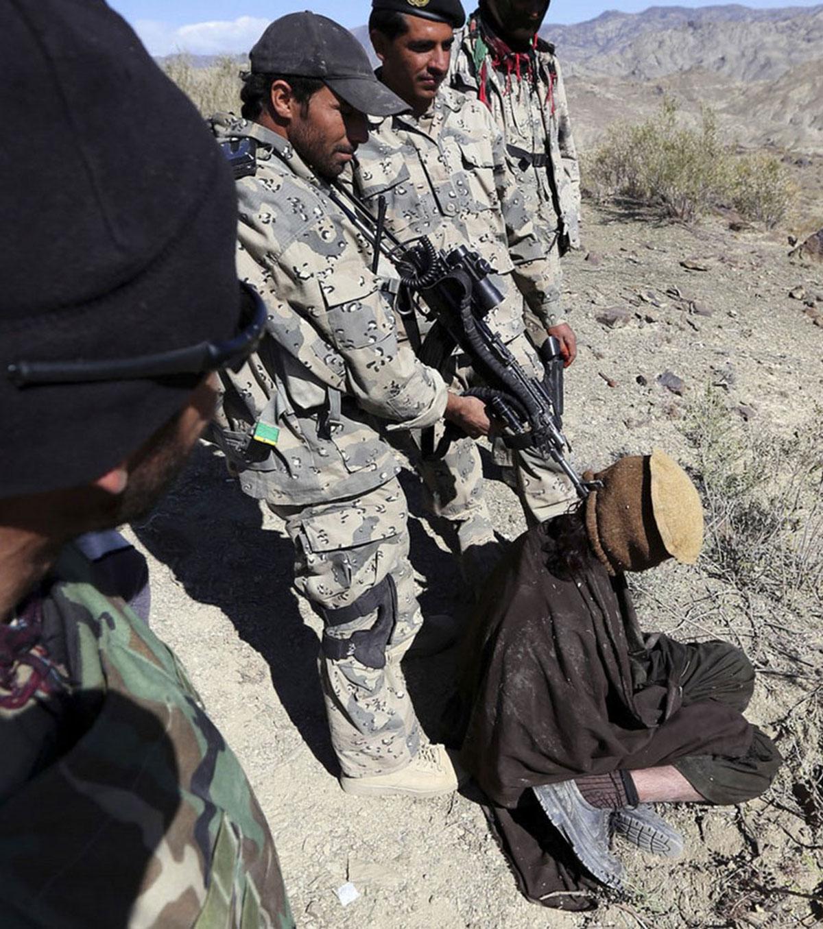 задержанный талиб в Афганистане, фото
