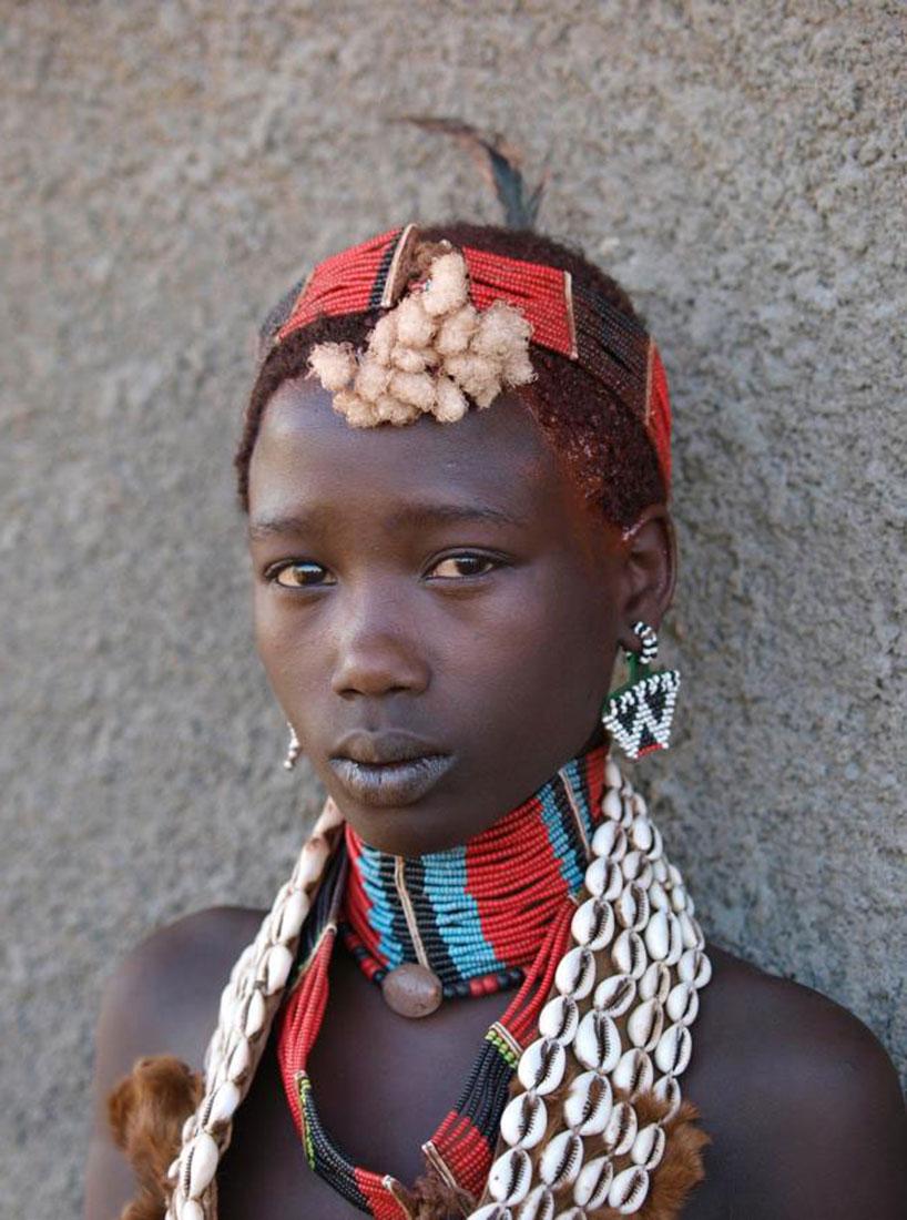 девушка-подросток племени, фото, Африка