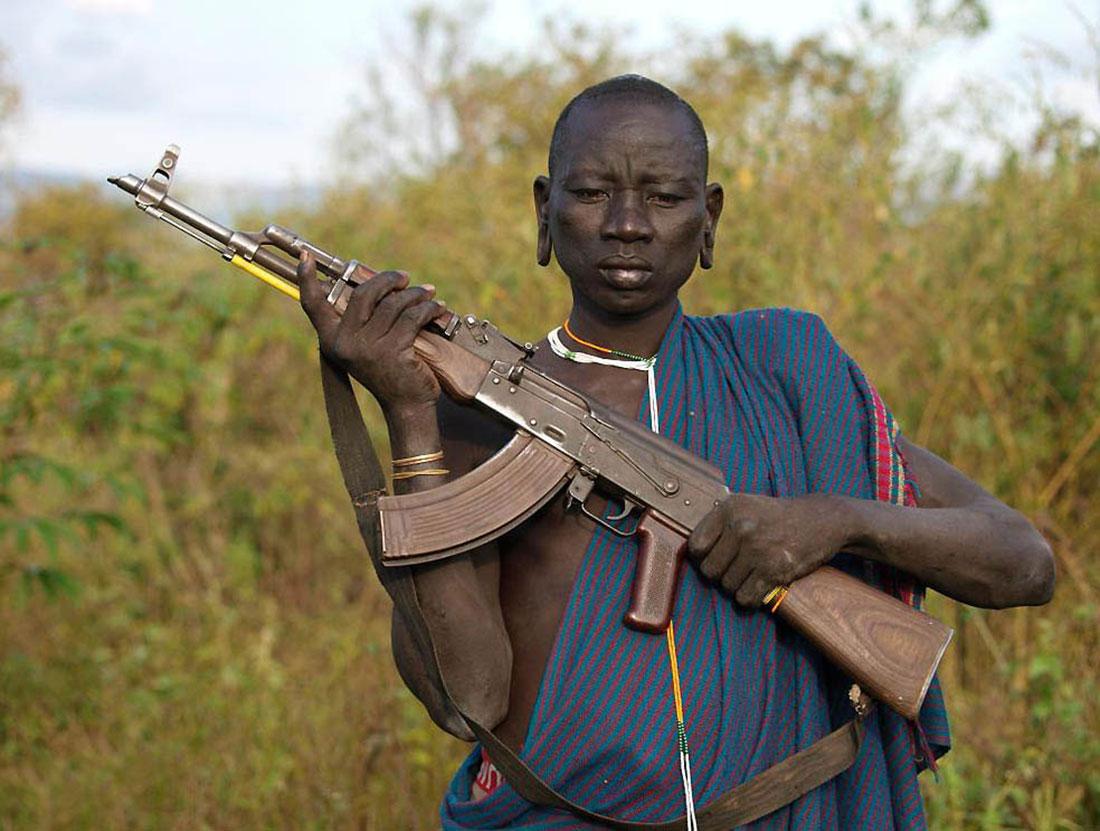 мужчина из племени Сури, фото, Африка