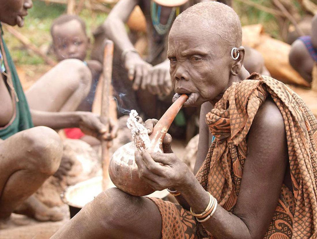 курение эфиопского народа, фото Африка