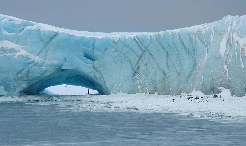 ледник на острове Анверс, Антарктида, фото