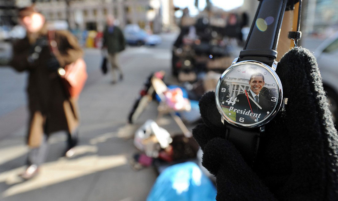 Часы с изображением президента, фото США