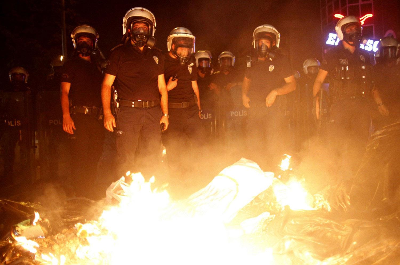 Полицейские на центральной площади