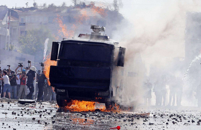 Водометная машина загорелась