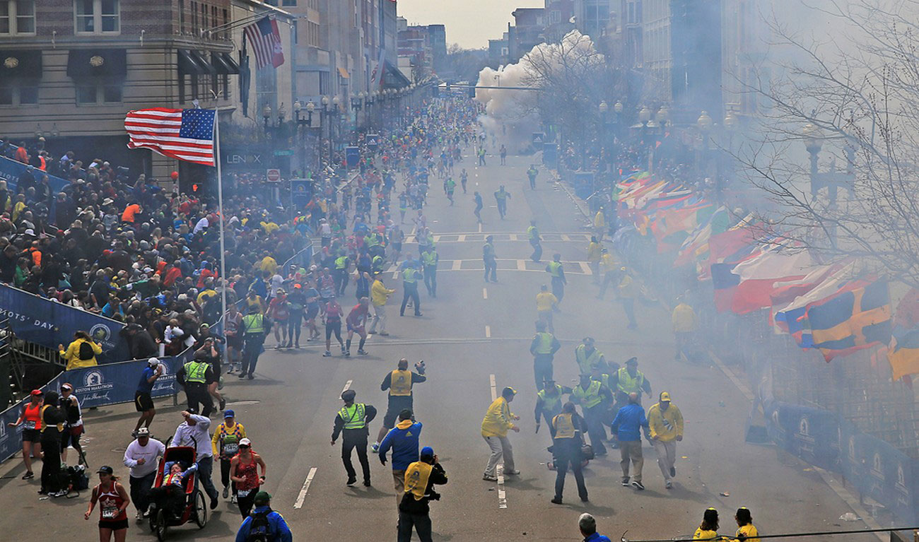 взрыв на финише знаменитого легкоатлетического марафона, фото