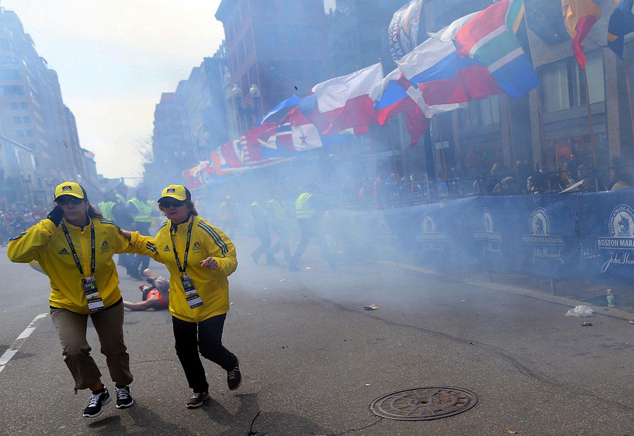 Организаторы марафона на месте теракта
