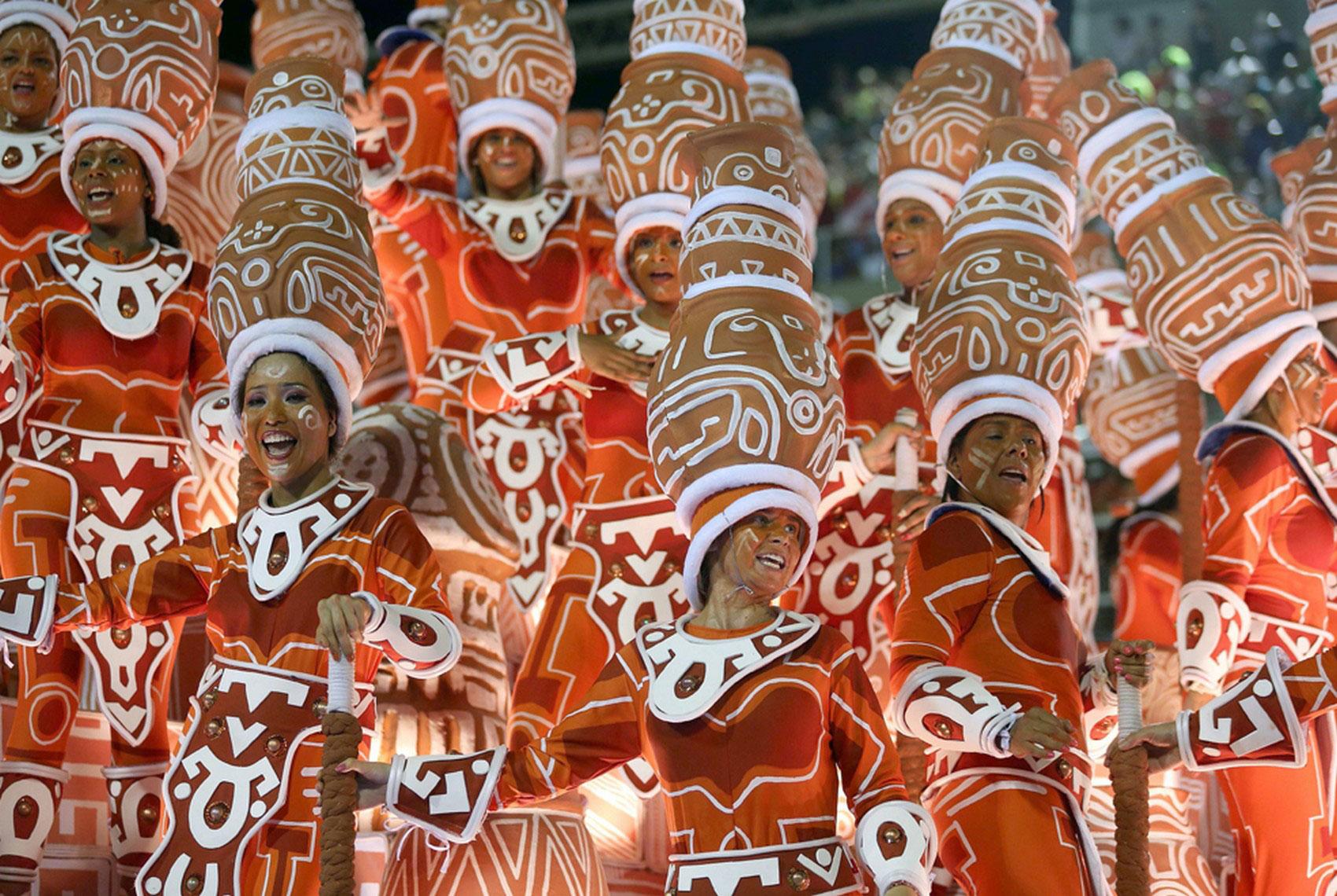 шествие карнавала, фото