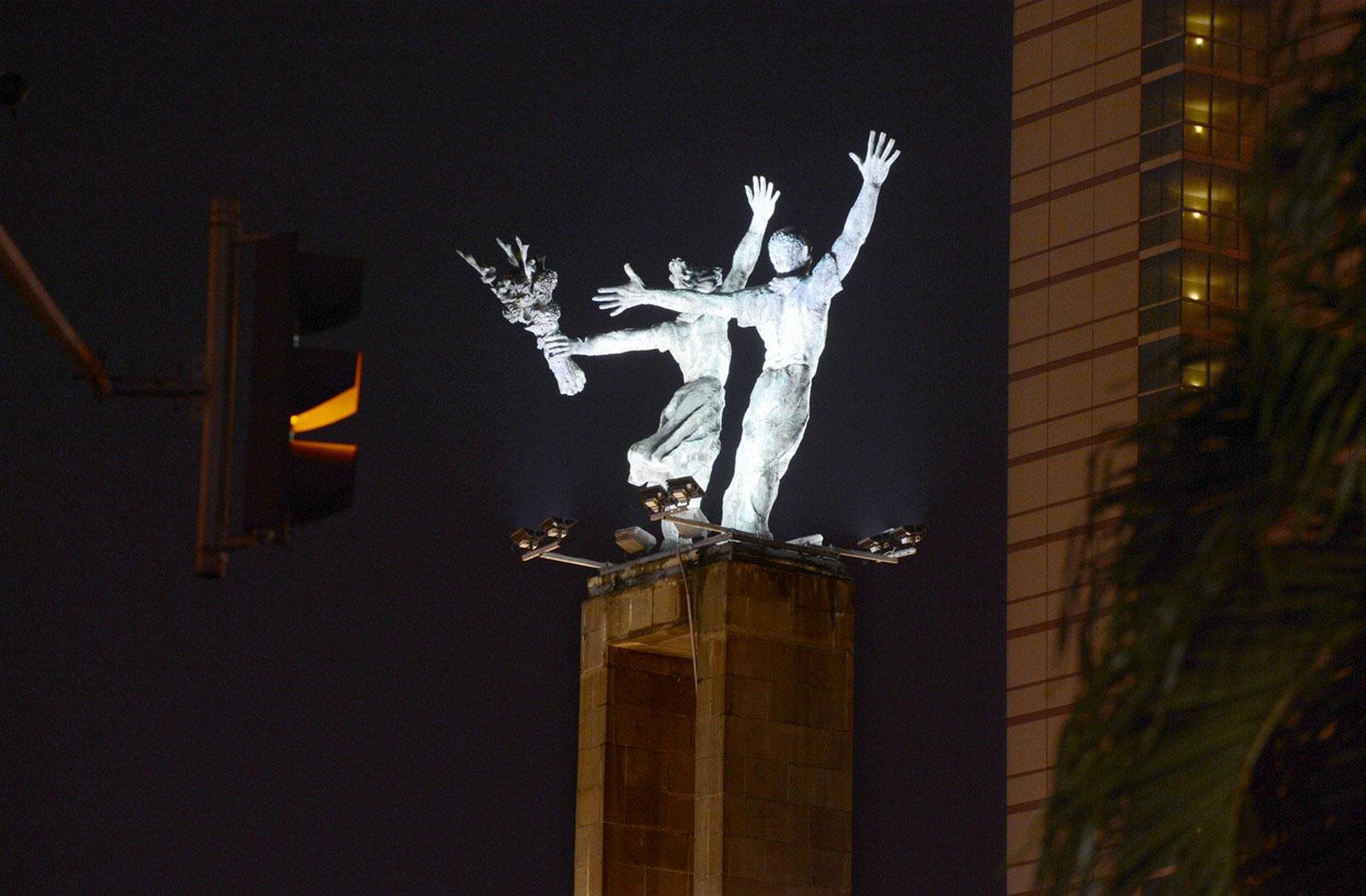 памятник Индонезии, снимок