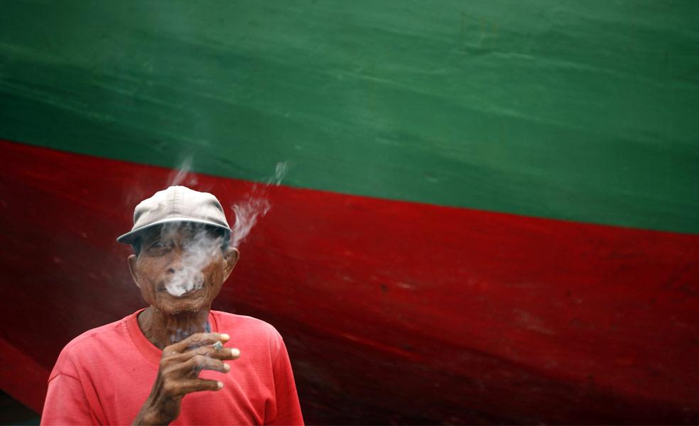 шхуна на Зондских островах в порту Джакарта, фото из Индонезии