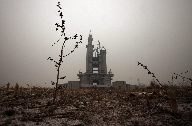 заброшенный парк развлечений в Китае, фото