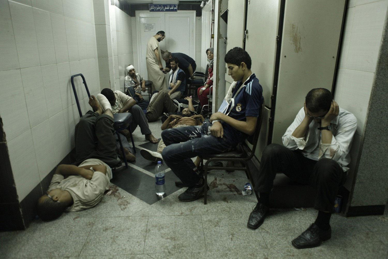 раненые в госпитале