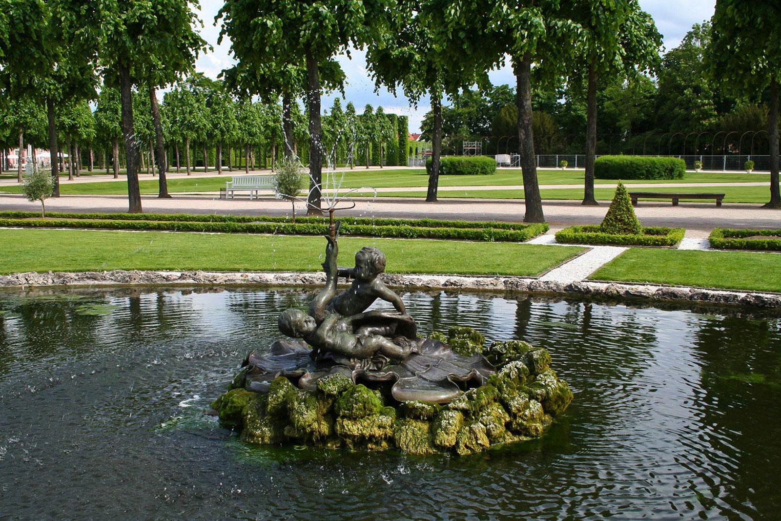 парк при дворце в Швецингене