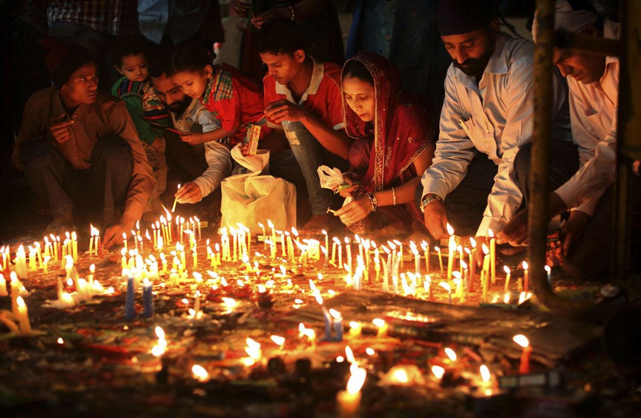 свечи на фестивале Дивали