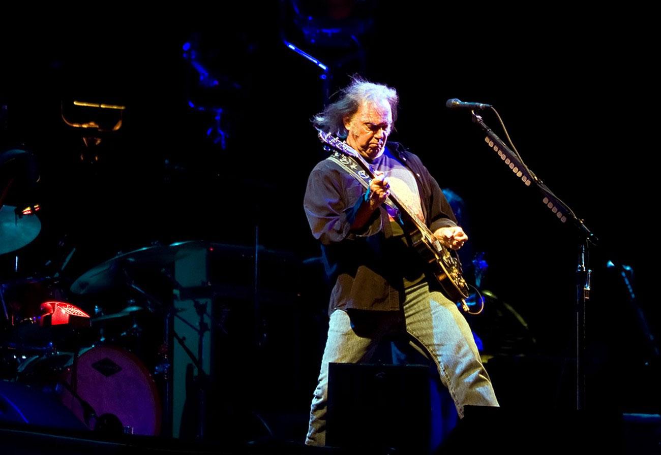 Канадский рок-музыкант Нил Янг