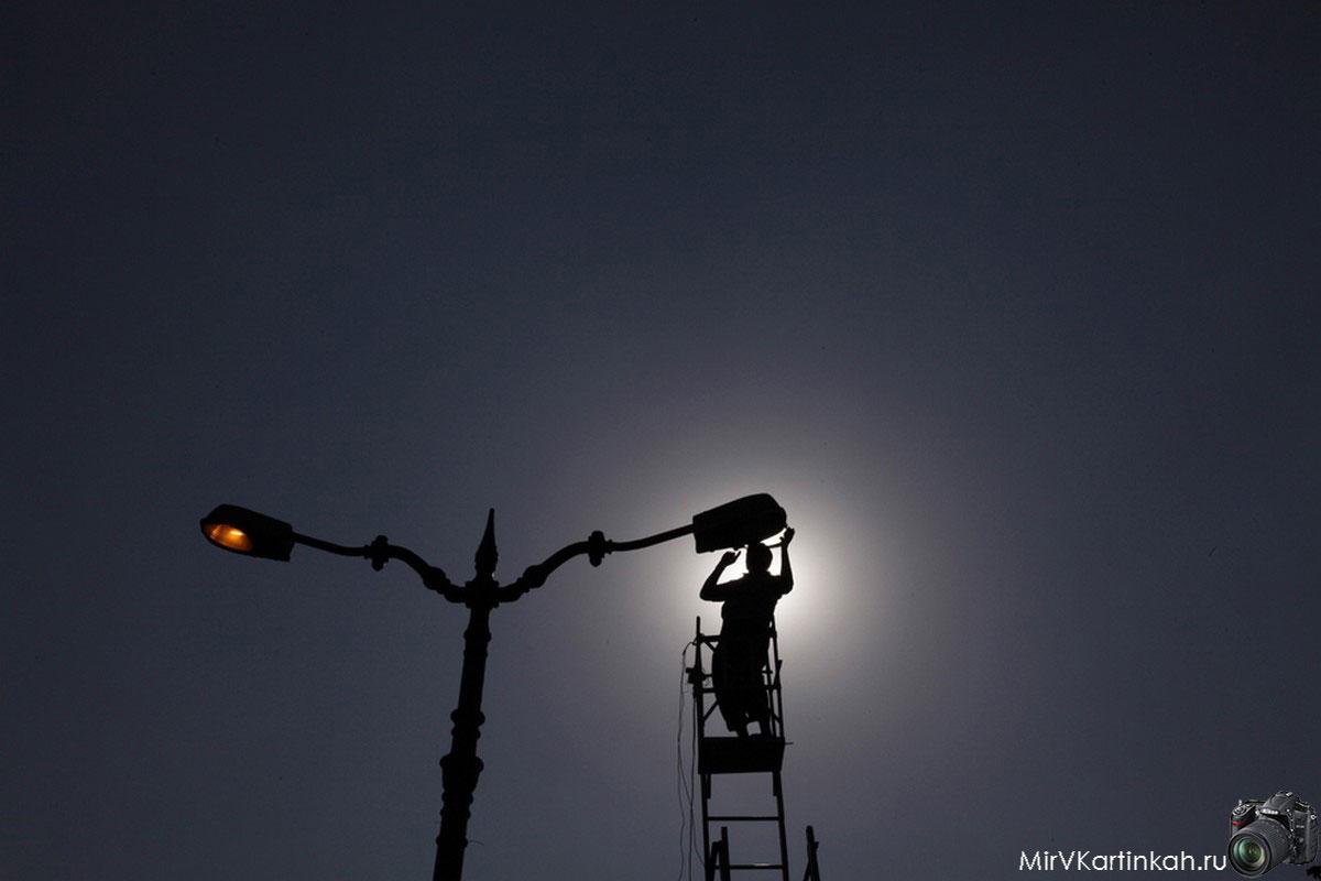 замена лампочки на столбе