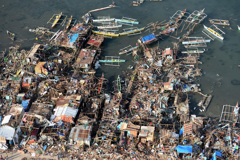 Разрушения на побережье