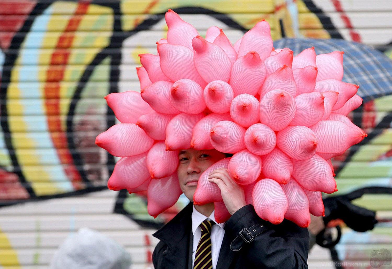Японец с воздушными шарами
