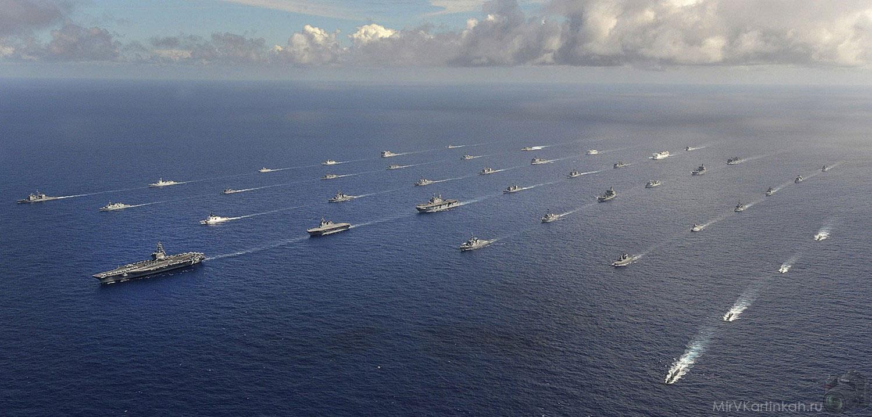 корабли в океане
