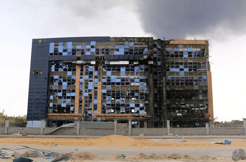 поврежденное здание