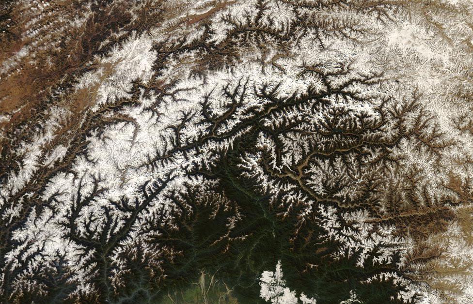 тибетские горы, фото из космоса