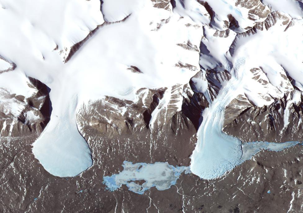 Антарктида, фото из космоса