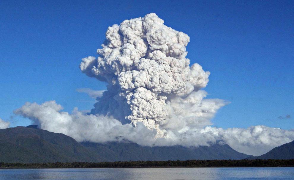 извержение вулкана в южной Америке