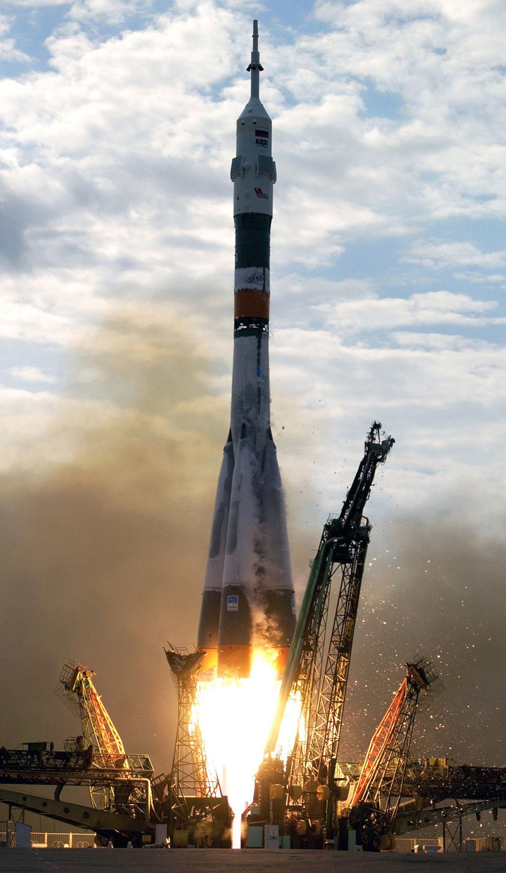 Союз ТМА-2 старт нас космодрома Байконур, фото