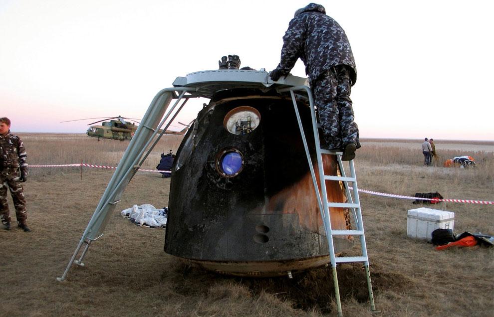 капсула пилотируемого космического корабля, фото