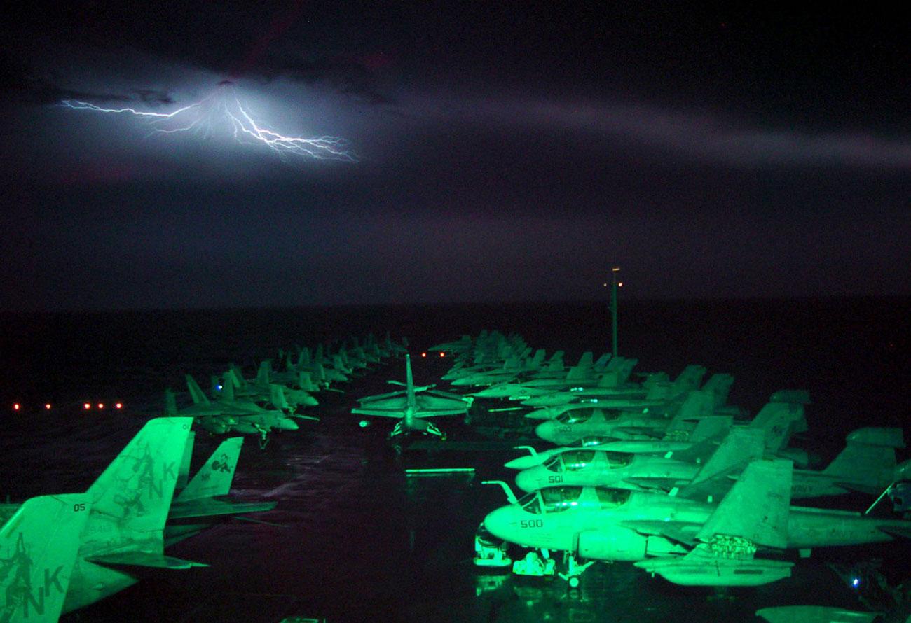 непогода в море, фото