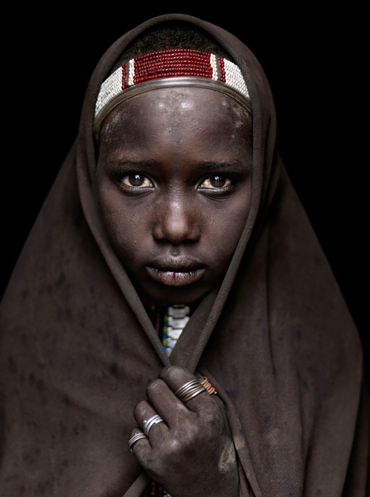 девушка из африканского эфиопского племени