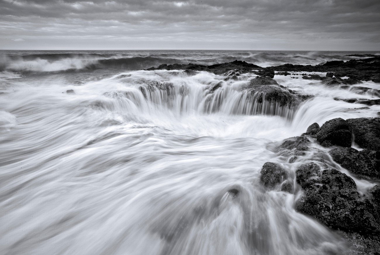 Утренний прилив на побережье, фото