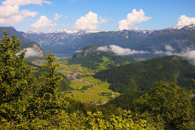 Долина и озеро Бохинь