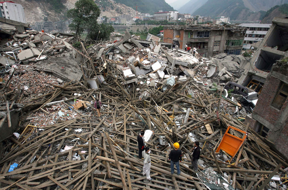 спасатели на месте катастрофы