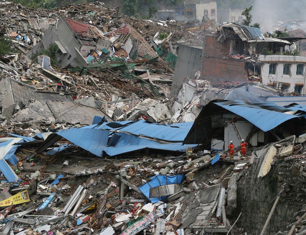 поиск выживших после трагедии