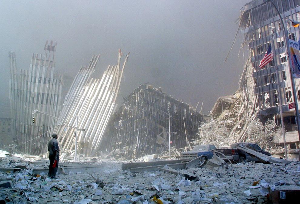 руины братьев-близнецов, 11 сентября 2001 года, США