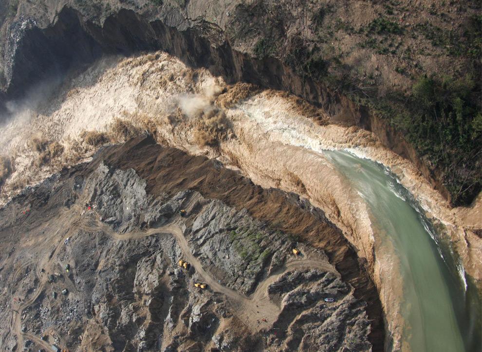 мощное землетрясение в Китае
