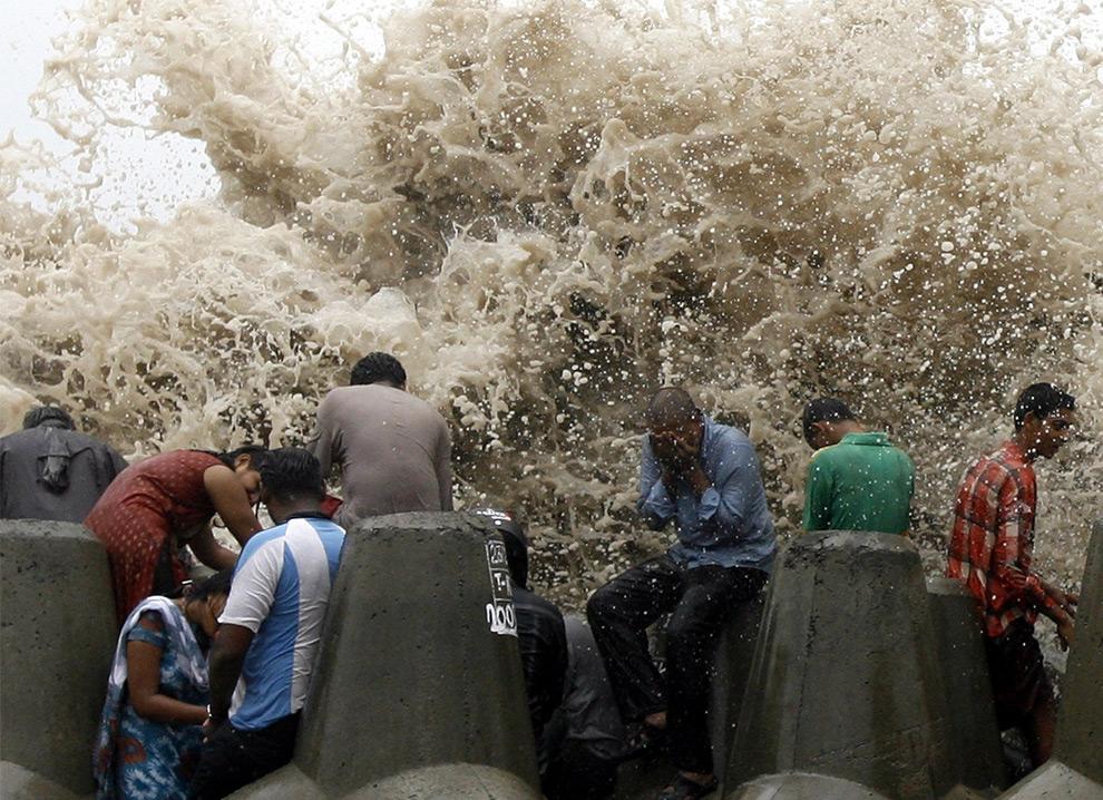 волны аравийского моря