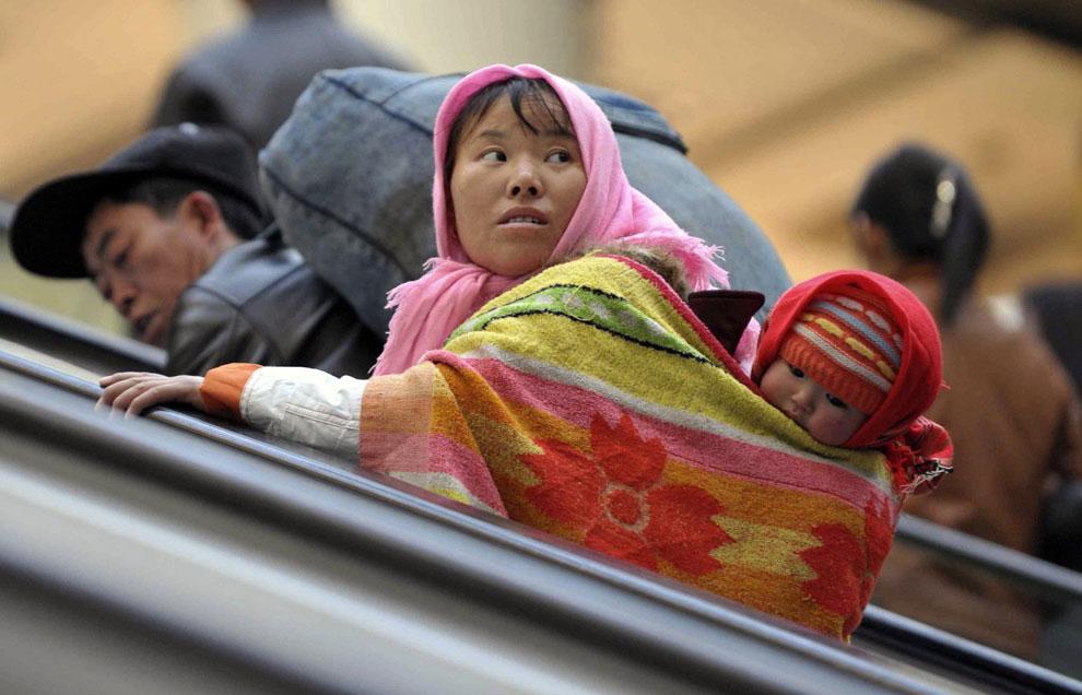 на железнодорожной станции в городе Шэньян, Китай фото