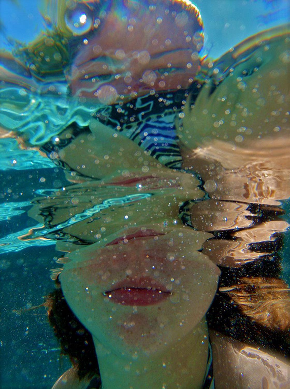 девушка в воде, Фотоконкурс