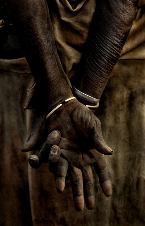 Руки эфиопской женщины, фото